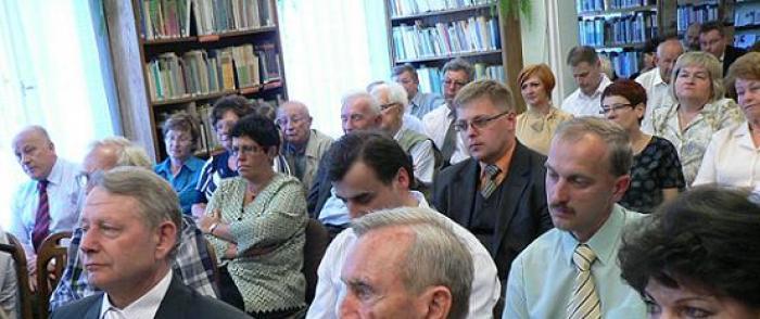 """Promocja książki """"Pułtusk. Studia i materiały z dziejów miasta i regionu T. VIII"""